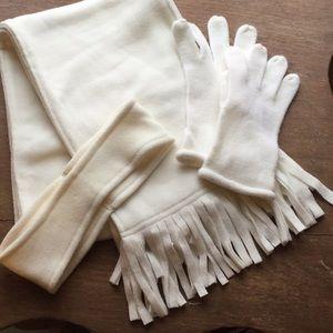 ❄️Very Pretty Scarf, Headband and Gloves.